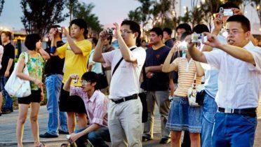 Los turistas chinos son los que más dinero gastan cuando están de vacaciones.