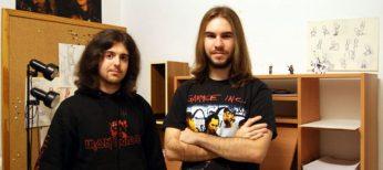 Miguel Vallés, a la izquierda, con un compañero de Teku donde realizan el videojuego Candle para Wii U.