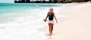 Mujer y universitaria tarda más en desconectar en vacaciones