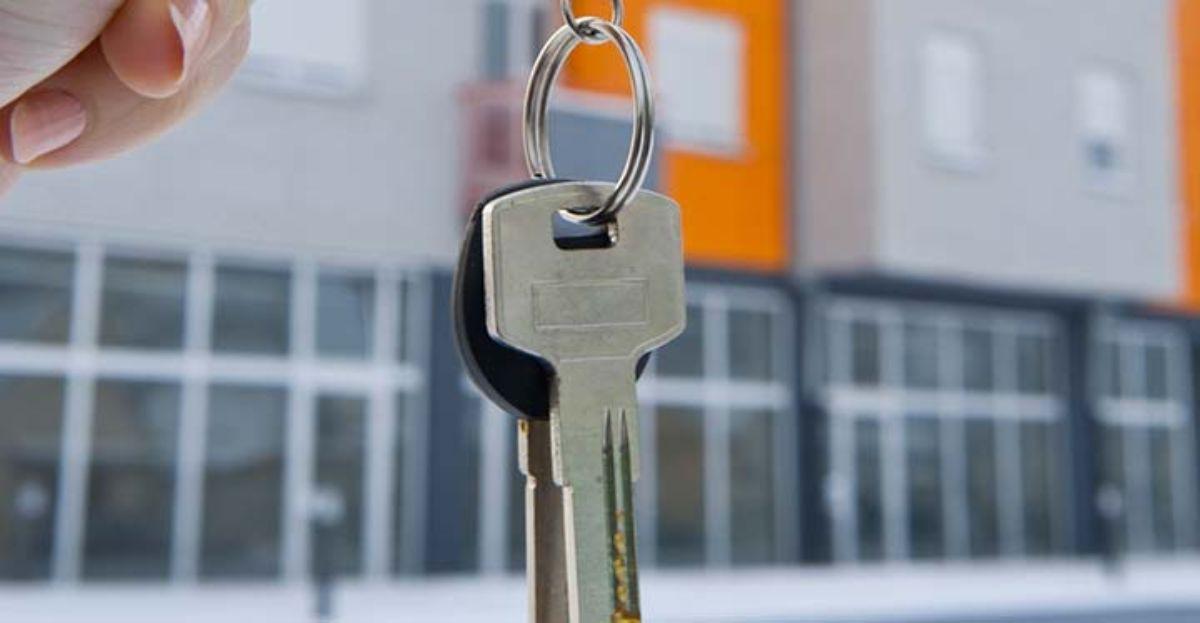 Los bancos dicen que aceptan ofertas de precio a sus pisos y ADICAE reprocha que para qué si sólo se pueden comprar al contado