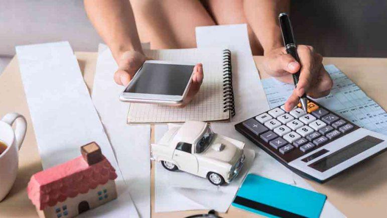 Cómo ahorrar 100 euros al mes en teléfono, gasolina y comida
