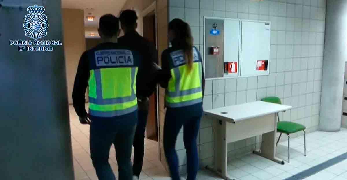 23 falsos revisores del gas detenidos por estafar a ancianos