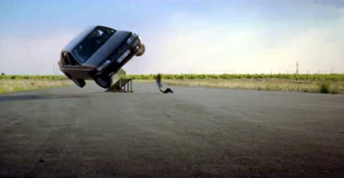 Imagen del accidente en la campaña de seguros de El Corte Inglés.