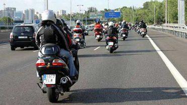 Para circular en moto hay que contar con ciertos requisitos de seguridad.