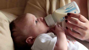 La leche de crecimiento no aporta lo mismo que la de lactantes o de continuación