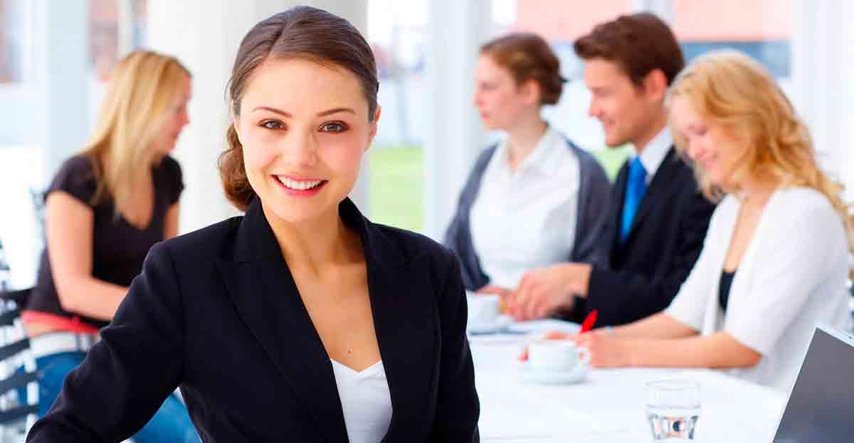 De cada cien trabajadores, 6 hombres tienen puestos directivos por 3 mujeres