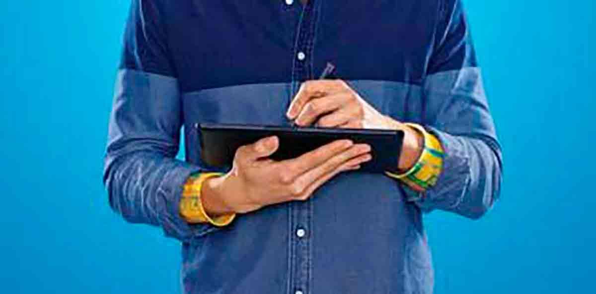 Los estudiantes universitarios empiezan a usar la tablet para estudiar