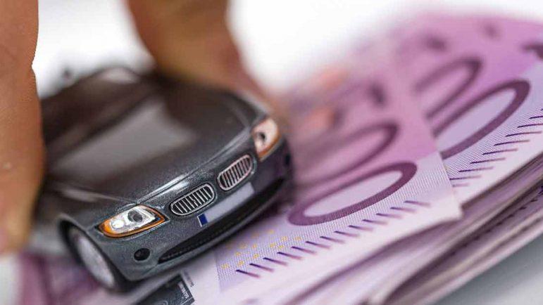 Los coches a la venta por mil euros, la mitad de la oferta de segunda mano