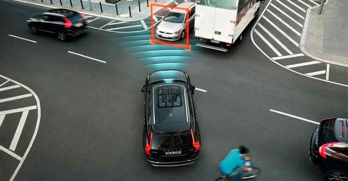 La frenada automática de emergencia , lo más valorado en la conducción pasiva