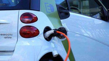 El coche eléctrico, reto de las ciudades del futuro libres de ruidos y contaminación