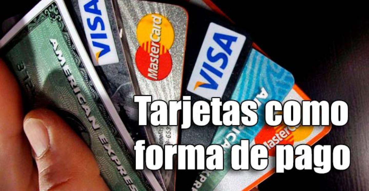 Las tarjetas de crédito y de débito, la forma de pago preferida después de pagar en efectivo con monedas y billetes.