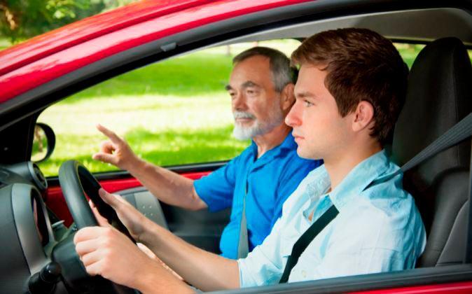 Cómo ahorrar al sacarte el carné de conducir con estos 10 consejos-1