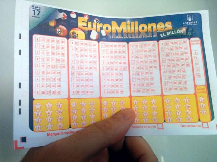 Nuevo boleto de EuroMillones para realizar las apuestas en las columnas con 5 números y 2 estrellas-1
