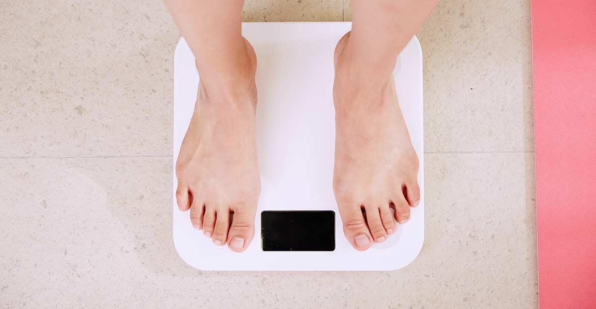 Cuando la báscula te dice que empiezas a rozar la obesidad.