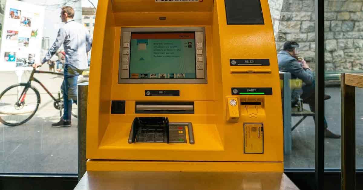 Sólo 9 bancos permiten hacer ingresos o sacar dinero en todo su horario