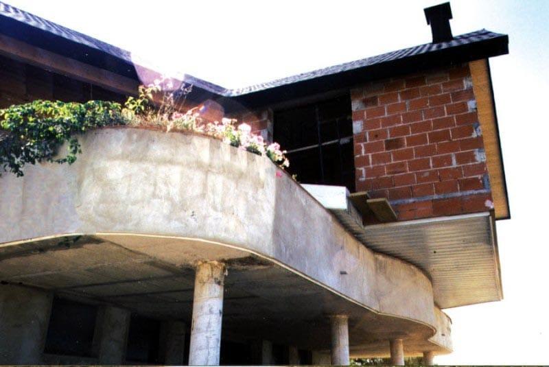 Casa giratoria desde abajo