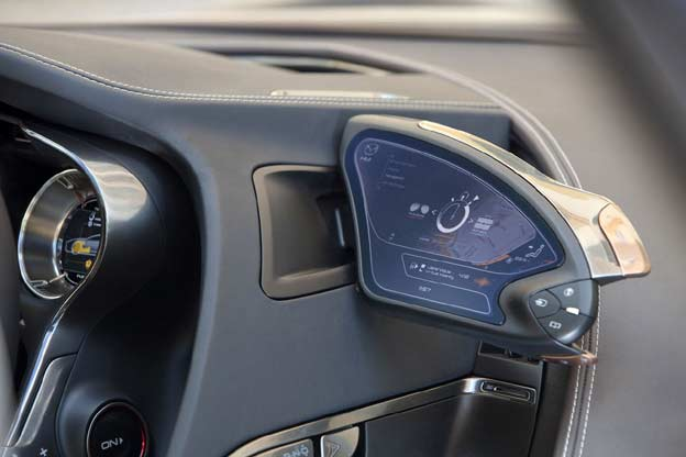 Retrovisor con pantalla del Mazda SHINARI