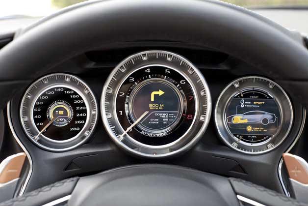 Panel de mandos Mazda SHINARI
