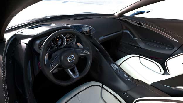 Interior delantero del Mazda SHINARI