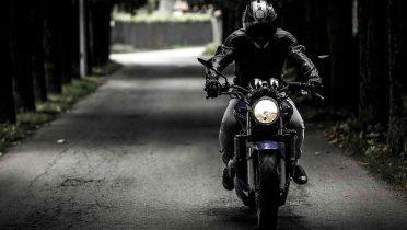 Comprar piezas de motos en Internet, fácil y barato