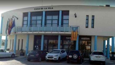 Ayuntamiento de de Sant Jaume Enveja, en Tarragona, donde hay 4 viviendas sociales en alquiler.