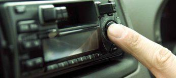 Escuchar música en el coche con el teléfono
