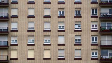 Cómo alquilar o comprar un piso social de Altamira