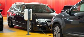 ¿Puedo poner un punto de recarga de un coche eléctrico en un garaje comunitario?
