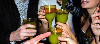 Las universitarias beben más rápido que los hombres para emborracharse antes