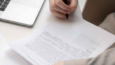 Las 10 cláusulas del contrato del alquiler que hay revisar antes de firmarlo