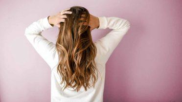 Mujeres con alopecia: causas, tipos y tratamientos