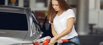 Las 6 cadenas de gasolineras que ofrecen descuentos con tarjetas de fidelización