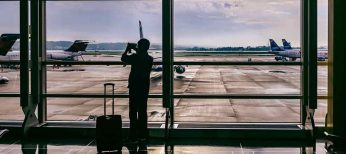 Cómo pujar en las subastas de Iberia para comprar billetes de avión baratos