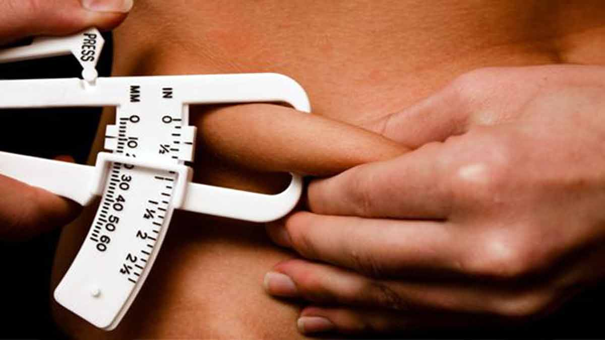 Medición de la cintura para calcular el peso ideal