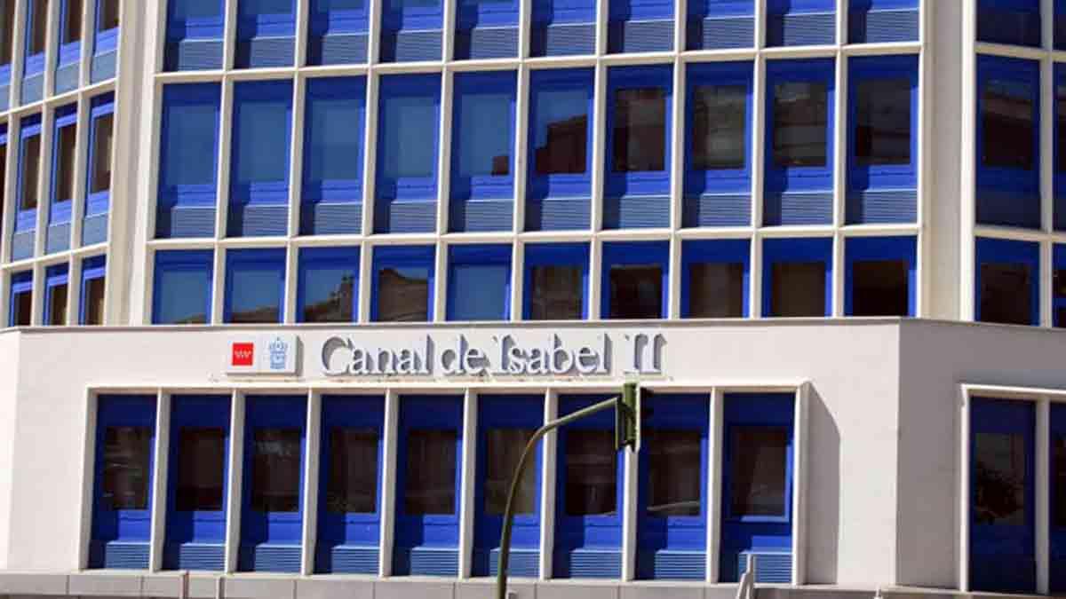 Edificio Canal de Isabel II para dar de alta el agua en Madrid