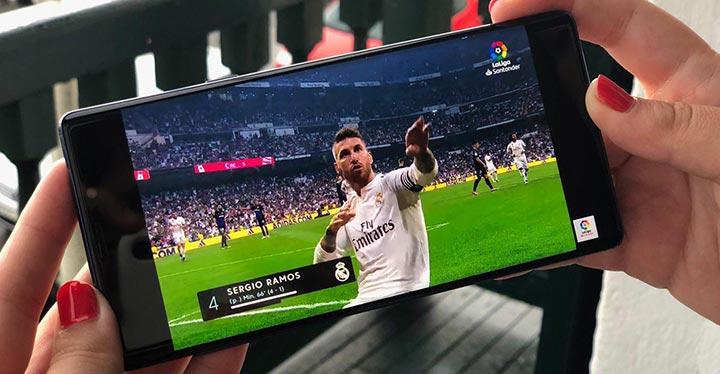 Sergio Ramos en la pantalla de un móvil